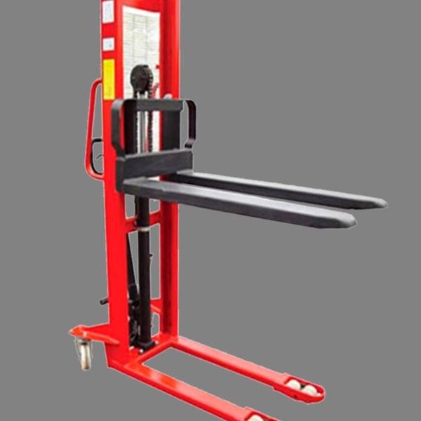 Descripción: Apilador angosto Marca New Hidráulico manual Line Capacidad maxima 1.5 Toneladas estructura de acero de grueso calibre, dimensión