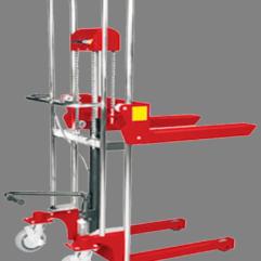 Descripción: Mini apilador manual Marca New Hidráulico manual Line Capacidad maxima 400 kg. estructura de acero de grueso calibre, dimensión de horquilla...